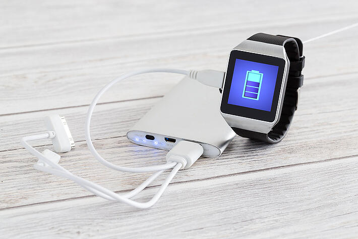 Smartwatch-charging-with-energy-bank