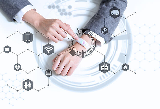 white-smart-watch-and-IoT-concept-wearable-device